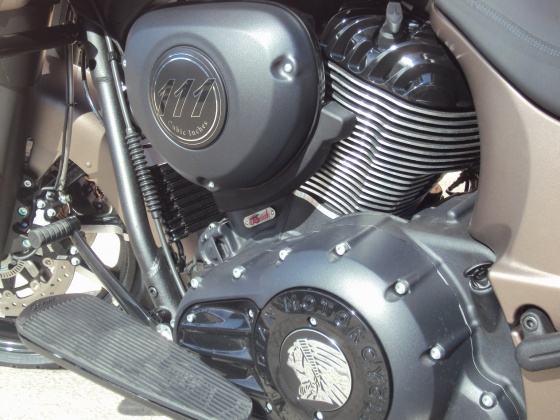venta_moto_nueva_indian_chieftain_dark_horse_bronce_motor