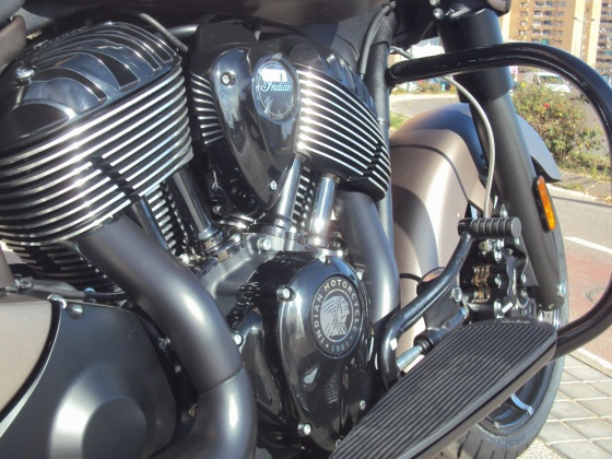 venta_moto_nueva_indian_chieftain_dark_horse_bronce_plataformas